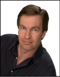 Jim Lego, auteur de Clair-Obscur, également présent au Salon de Montréal.