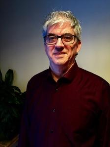 Daniel Dechênes, auteur du conte fantastique Lily-Rose: le ruban bleu