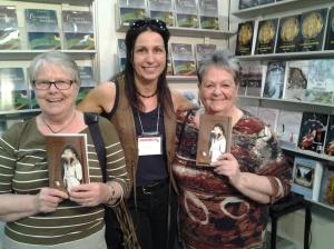 Marlène Gagnon (Le roman perdu) était fort heureuse de rencontrer deux de ses lectrices.